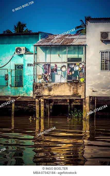 Asia, Southeast Asia, South Vietnam, Vietnam, Mekong Delta, architecture, house on stilts