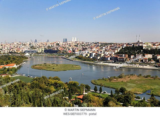 Turkey, Istanbul, View from Pierre Loti Hill across Golden Horn