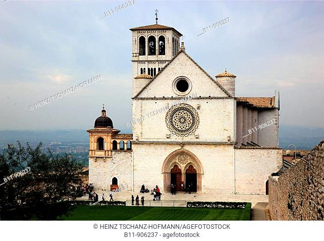 Klosterkirche San Francesco in Assisi, Umbrien, Italien / Monastery church of San Francesco in Assisi, Umbria, Italy, Europe