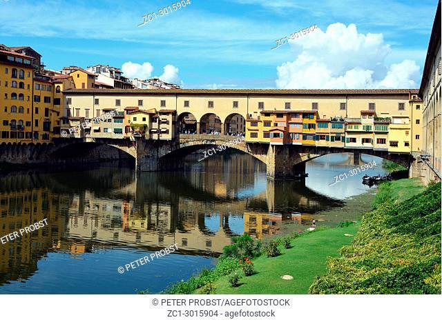 Ponte Vecchio bridge over the river Arno in Florence, Tuscany, Italy
