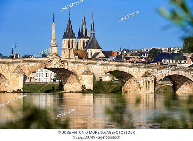 Blois, Loire River, Saint Nicolas Church, Jacques Gabriel Bridge, Pont Jacques Gabriel, Loire et Cher, Pays de la Loire, Loire Valley