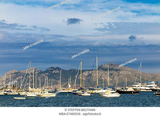 Boats in the bay, Port de Pollenca, northeast of the island Mallorca, Mediterranean, Balearic Islands, Spain, Southern Europe