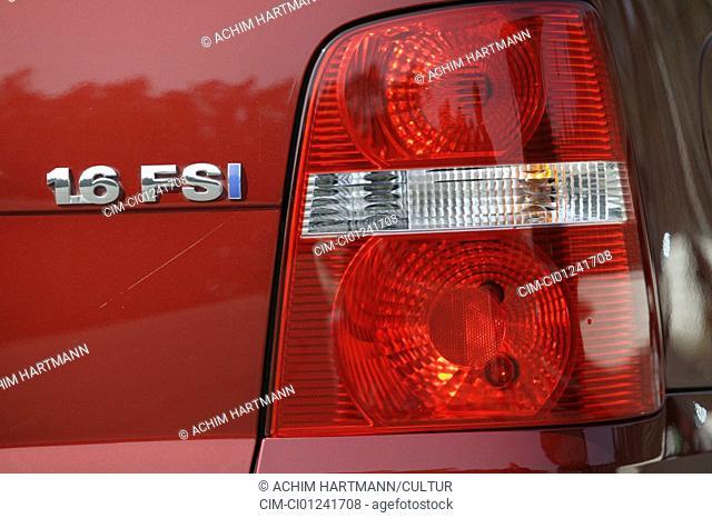 Car, VW Volkswagen Touran, Van, model year 2003-, red, Detailed view, Model designation