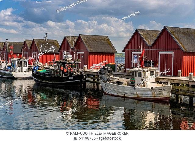 Red cottage with fishing boats, White Wiek, Baltic Sea, Bad Boltenhagen, Mecklenburg-Western Pomerania, Germany