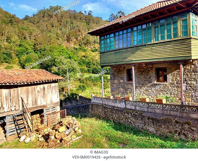 Vegarrionda village in La Marea valley, Piloña municpality, Asturias, Spain