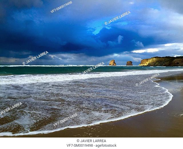 Storm, Beach, Hendaye, Aquitaine, Pyrenees Atlantiques, France, Europe