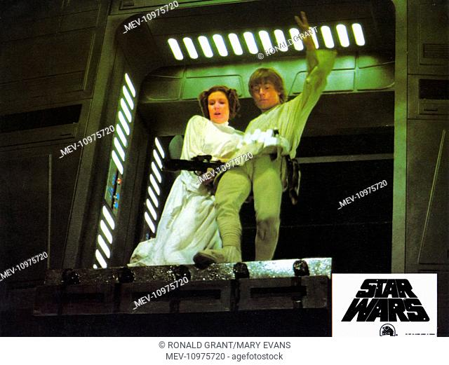STAR WARS: EPISODE IV - A NEW HOPE [US 1977] CARRIE FISHER as Princess Leia, MARK HAMILL as Luke Skywalker