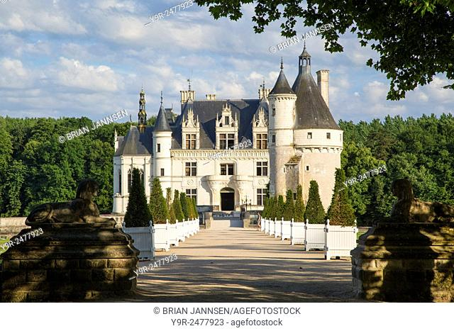 Walkway leading to Chateau Chenonceau in the Loire Valley, Centre France