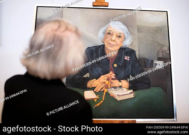 09 March 2020, Berlin: Margot Friedländer is standing in front of her portrait of honorary citizen at the ceremonial unveiling in the Berlin House of...