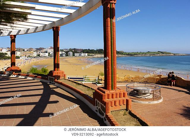 Piquio garden and Sardinero beach in summer. Santander, Cantabrian Sea, Cantabria, Northern Spain, Europe