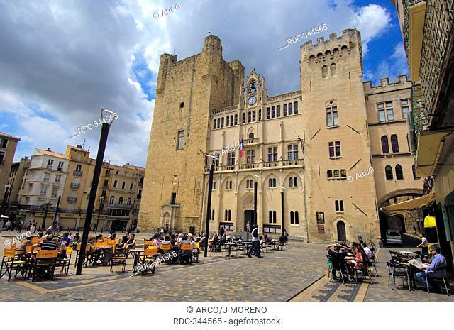 Archbishop's Palace, Place de l'Hotel de Ville, Narbonne, Languedoc-Roussillon, Aude, France / town hall square, main square, Palais des Archeveques