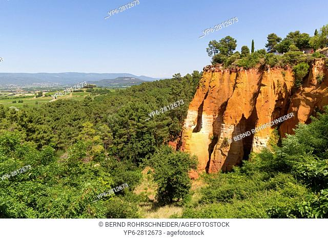 ochre rocks, Roussillon, Luberon, Vaucluse, Provence, France