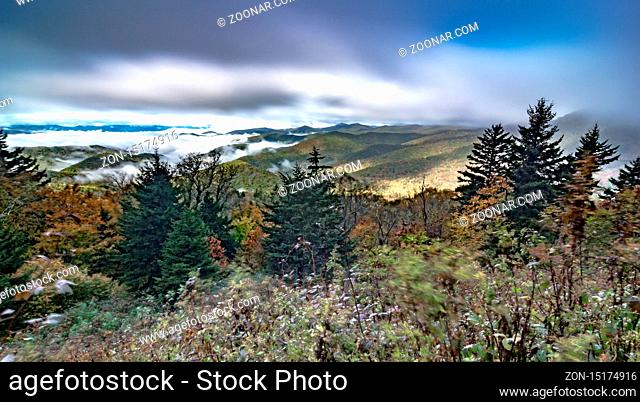 morning sunrise ove blue ridge parkway mountains