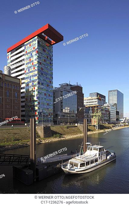 Germany, Duesseldorf, Rhine, Lower Rhine, North Rhine-Westphalia, NRW, Municipal harbours, Media harbour, administration buildings, boat