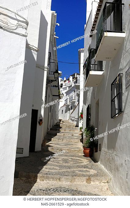 White Village, narrow Street, white Houses of Frigiliana, Frigiliana, Costa del Sol, Malaga Province, Andalucia, Spain