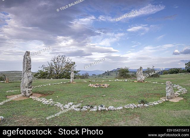 cromlech de Mendiluze, Parque Megalítico de Legaire, campas de Legaire , Ã. lava, Pais Vasco, Spain