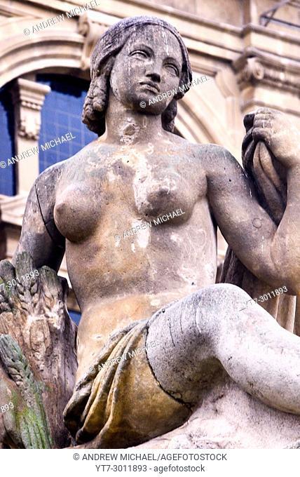 Spain, Catalonia, Barcelona, Montjuic, Statue at Catalonia National Museum of Art (MNAC), National Palace (Palau Nacional)