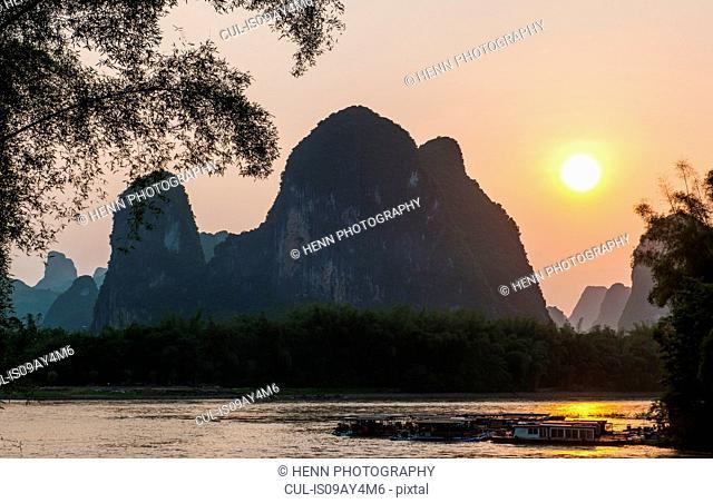 Li Jiang river at sunset, Guangxi, China