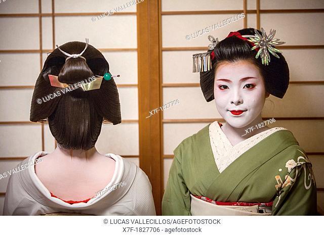 Fukuyu,geisha and Fukukimi,'maiko' geisha apprentice  from Ishihatsu okiya geisha house Geisha's distric of Miyagawacho Kyoto  Kansai, Japan