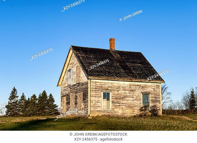 Abandoned house in disrepair, Maine, USA