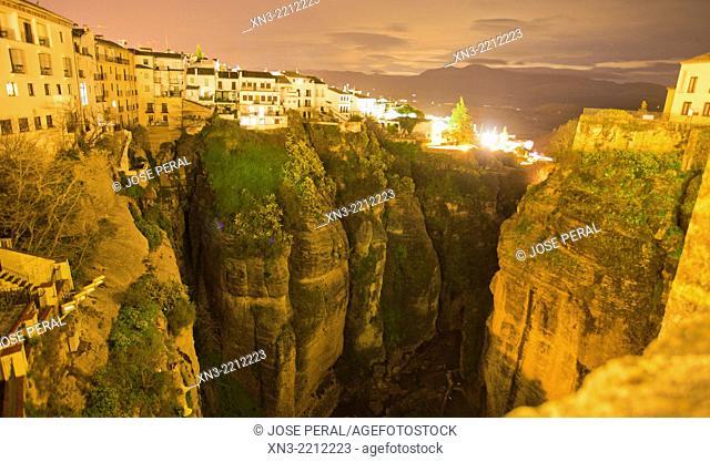 'El Tajo' canyon or gorge of Ronda from New Bridge, Puente Nuevo, Guadalevín River, Ronda, White Towns, Malaga province, Andalusia, Spain, Europe