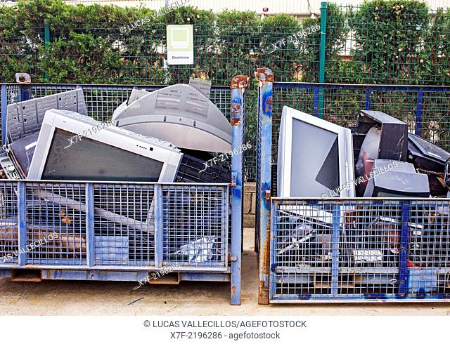 TV storage to recycle,recycling center