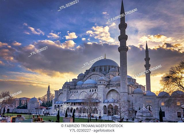 Suleymaniye Mosque at sunset in Fatih, Istanbul, Turkey
