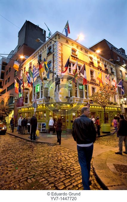 The Oliver St  John Gogarty 18-21 in Anglesea Street, in the lively Temple Bar area  Dublin, Leinster, Ireland, Europe