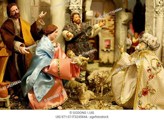 Christmas crib, The nativity, Adoration of the Magi