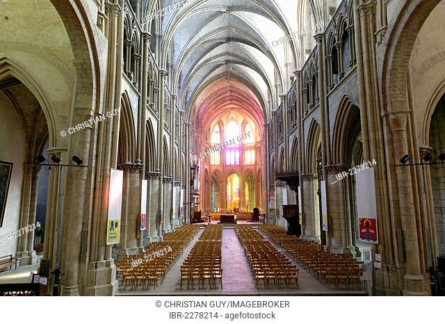 Interior view of the Cathedrale Sainte Cyr et Sainte Julitte, Nevers Cathedral, Nevers, Nievre, France, Europe