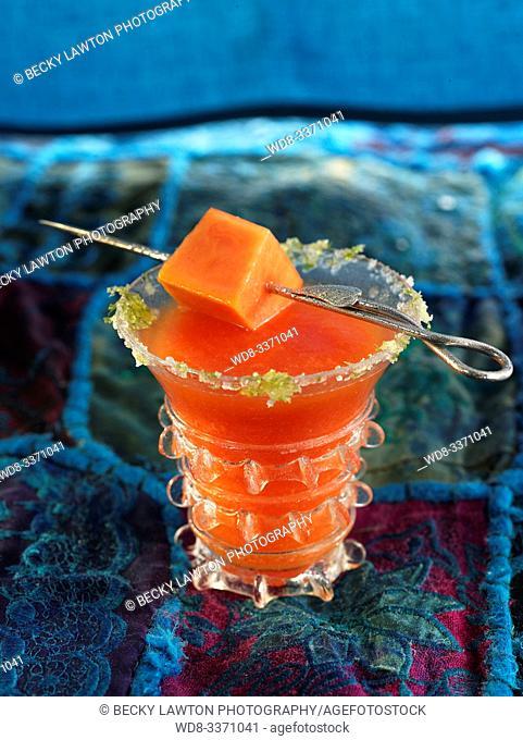 nectar de papaya, limon y ron blanco. / Papaya, lemon and white rum nectar