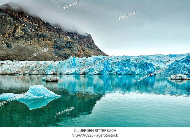 glacier Kollerbreen, Svalbard or Spitsbergen, Europe - , Svalbard, 20/06/2018