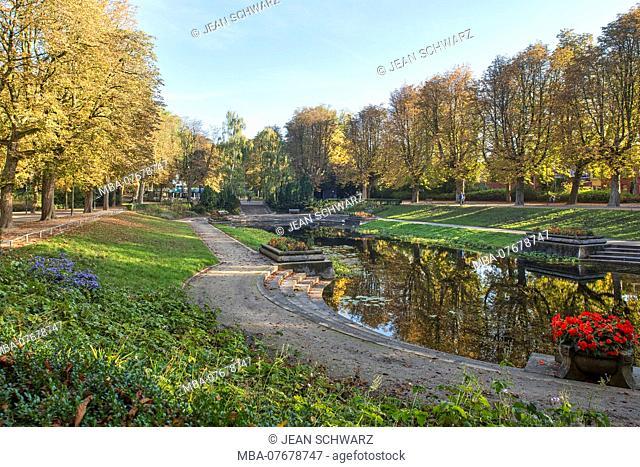 Netherlands, Groningen, Noorderplantsoen Park in autumn