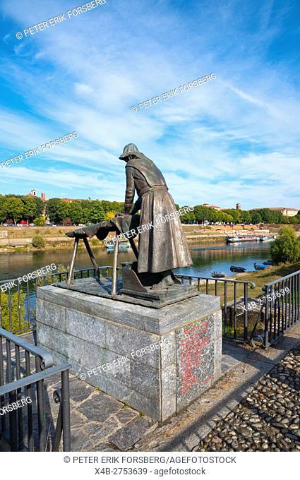 Monumento alla Lavandaia, statue of washerwoman, Ticino riverside, Pavia, Lombardy, Italy
