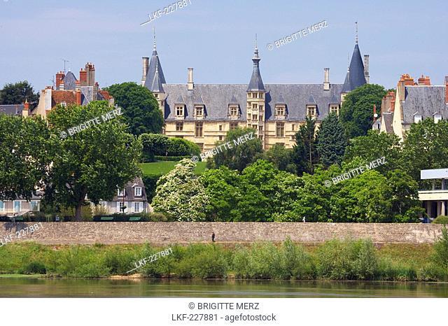 Palais Ducal, The Way of St. James, Chemins de Saint Jacques, Via Lemovicensis, Dept. Nievre, Burgundy, France, Europe