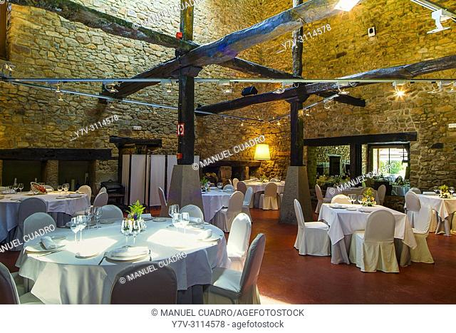 Dining room. Restaurante Akebaso, Axpe, Biscay, Basque Country, Spain