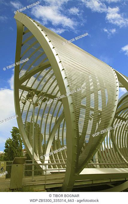 Spain, Madrid, Arganzuela Bridge, Dominique Perrault architect