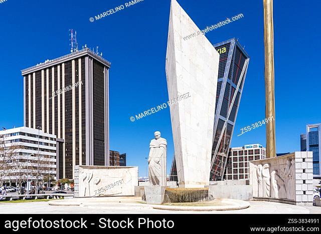 Calvo Sotelo monument, KIO Towers, Caja Madrid Obelisk and Torre Castilla - Castile Tower. The Caja Madrid Obelisk is an obelisk designed by Santiago Calatrava