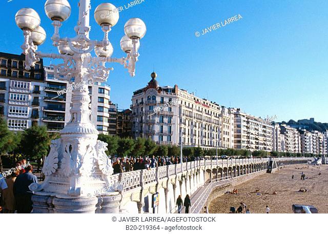 Paseo de la Concha and Hotel Londres. San Sebastian. Euskadi. Spain