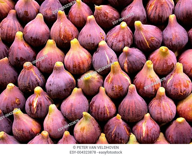 Fresh figs display
