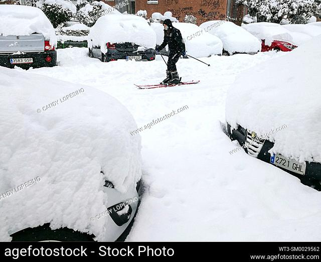 January 9, 2021, woman skiing on the snow on a street in Aluche after Storm Filomena brought intense snow, MADRID, SPAIN, EUROPE
