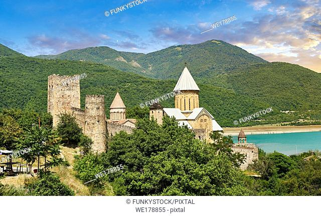 Pictures & images of the Ananuri castle complex & Georgian Orthodox churches, 17th century, Georgia (country)