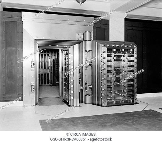 25-ton Door, Safe Deposit Vault, Old Colony Trust Company, Boston, Massachusetts, USA, circa 1915