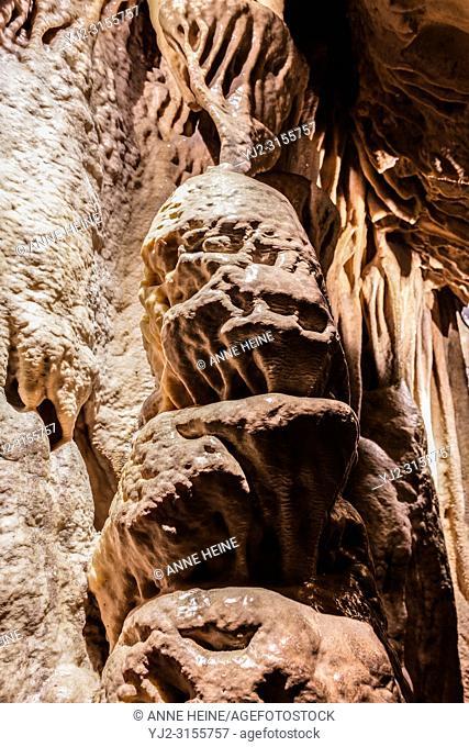 Tropfsteinhöhle Warstein, Bilsteinhöhle, Lime Flowstone cave, location: Warstein, Arnsberger Wald, Sauerland, Germany