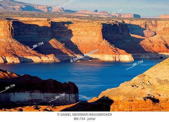 Late afternoon at Lake Powell Glen Canyon National Recreation Area Utah USA