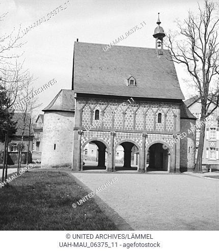 Die Königshalle von Kloster Lorsch an der Bergtraße, Deutsches Reich 1930er Jahre. The Kings'hall of Lorsch Abbey at Berstraße, Germany 1930s
