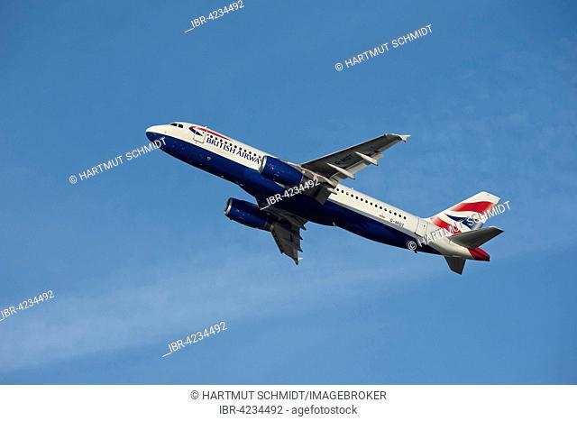 British Airways Airbus A320-232, climbing