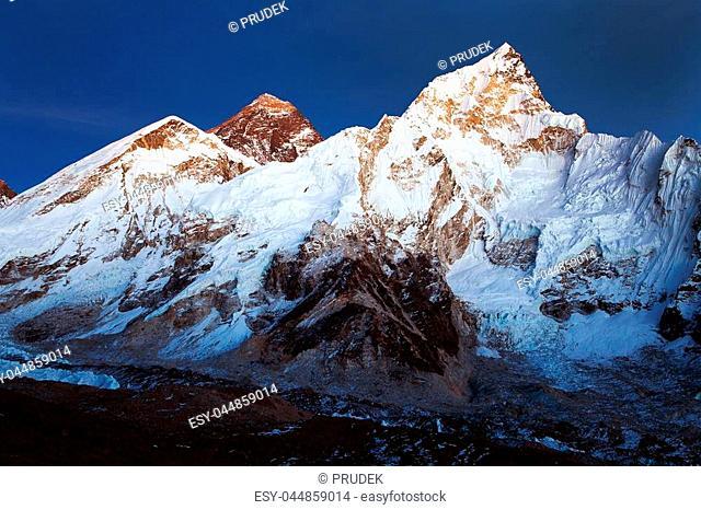 night view of Mount Everest from Kala Patthar, Khumbu valley, Solukhumbu, Sagarmatha national park, Nepal Himalayas mountains