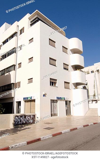 Israel, Tel Aviv, Renovated Bauhaus building at 3 Nachmani Street UNESCO has declared Tel Aviv an international heritage site because of the abundance of the...