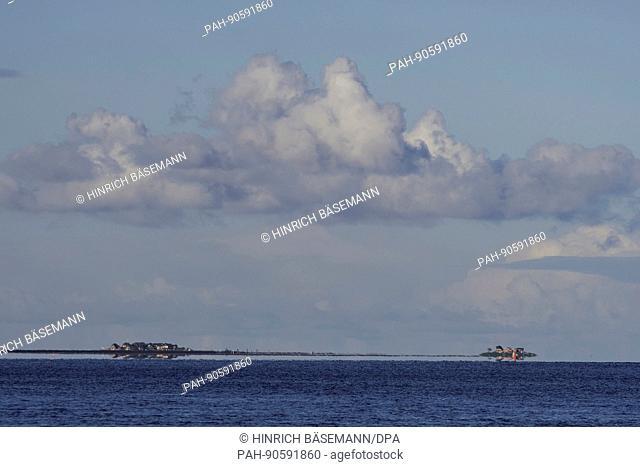 tidal seascape, april 2017 | usage worldwide. - Süderaue/Schleswig-Holstein/Germany